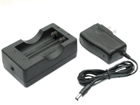 XXC-4.2V1A Li-ion Battery Charger for 18650 with Car Charger (2